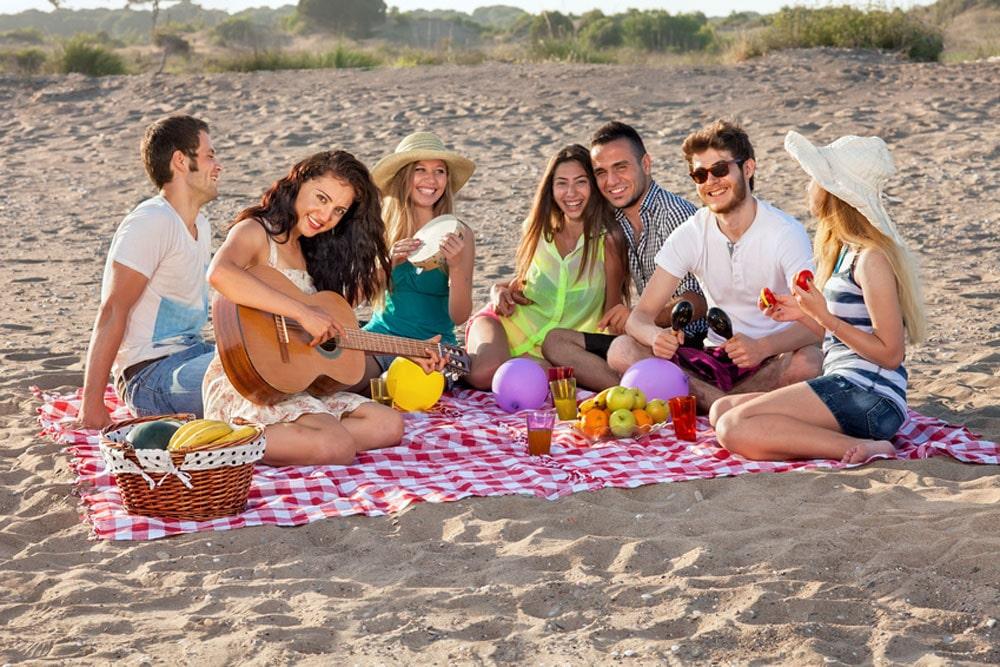 Φαγητό στην παραλία. Τι να πάρετε μαζί σας και πώς να οργανωθείτε σωστά