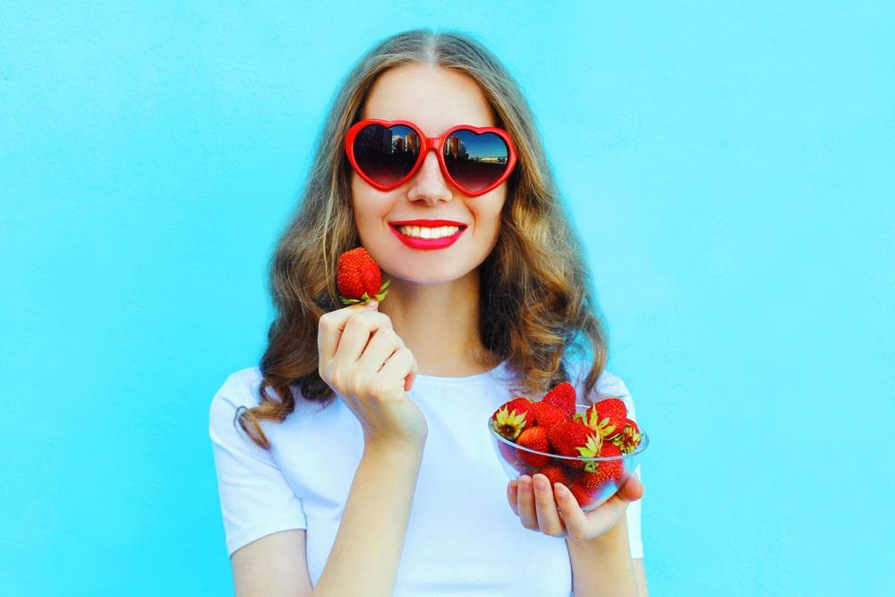 12 + 1 φραουλένιες συνταγές που θα ανεβάσουν τη διάθεση σου!