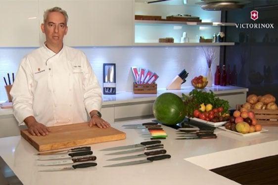 Οι βασικοί τύποι μαχαιριών: επίδειξη από τον ελβετό chef Felix Halter [video]