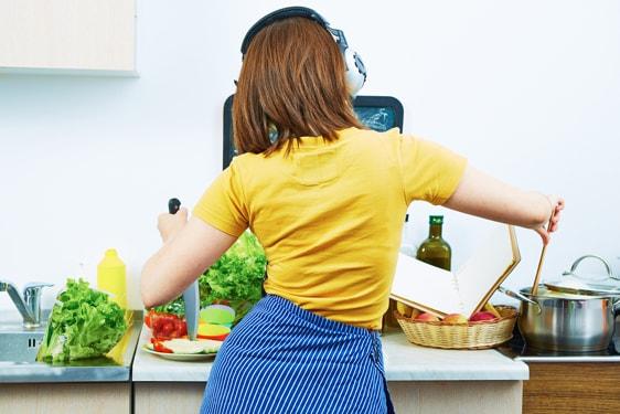 Μαγειρική...μετά μουσικής: Top 10 τραγούδια με θέμα το φαγήτο!