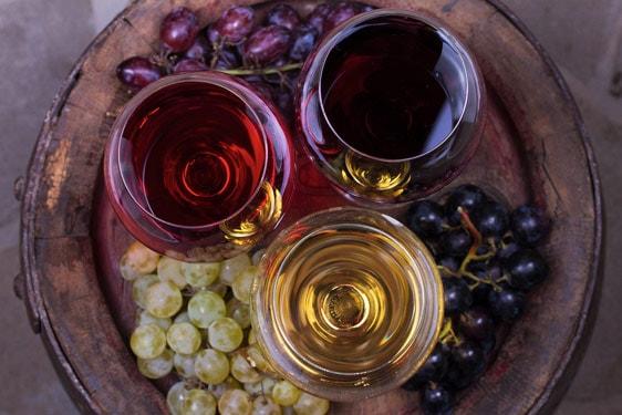 7 βασικοί κανόνες για την κατάλληλη γευστική παρέα με το κρασί σας