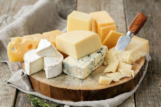 10 συχνά λάθη που «σκοτώνουν» τα τυριά: Πώς θα τα αποφύγετε;