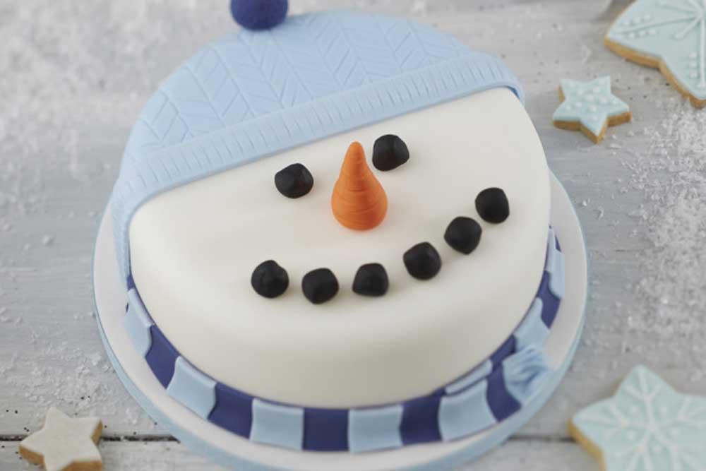 Φέτος φτιάχνουμε χιονάνθρωπο...σε κέικ!